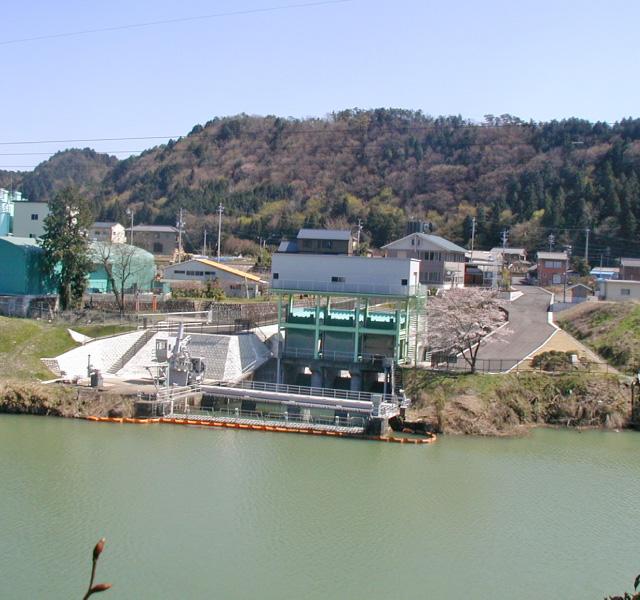 <p>愛知用水二期事業<br /> 完成した兼山取水施設</p>